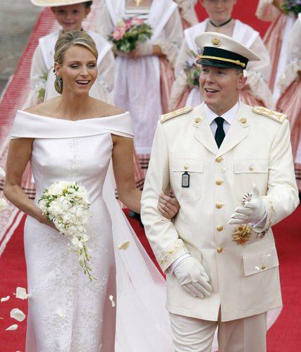 婚紗禮服穿搭|摩納哥王妃夏琳超美,顏值堪比歐美女星?高定禮服造型隱藏肩寬